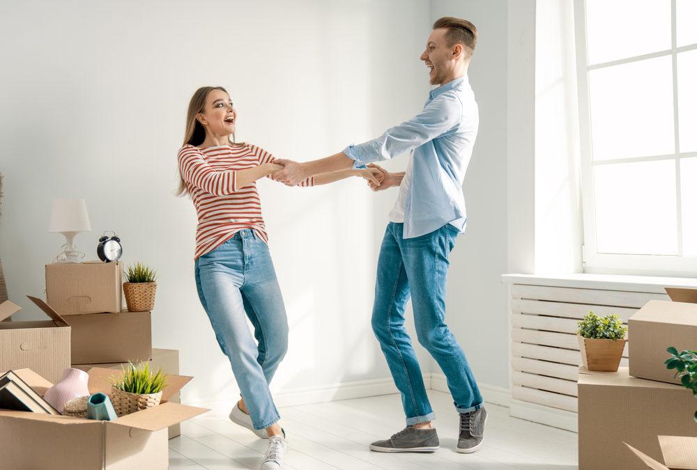 Cómo gestionar los contratos de la vivienda tras una mudanza